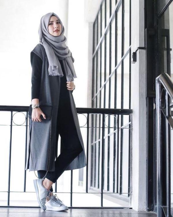 Busana Muslim Wanita Trendi Tetapi Tetap Syari