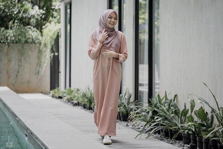 Model Baju Syari Pesta Gamis Sederhana dan Timeless