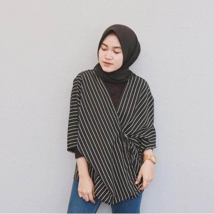 Model Busana Muslim Kimono Fringe Sweater